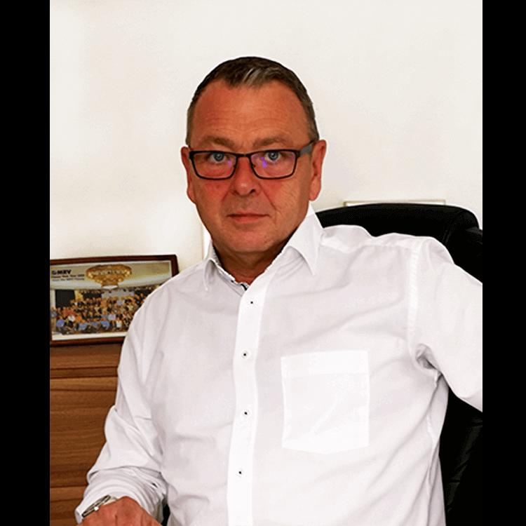 Manfred Lang, VICE PRESIDENT SALES EMEA